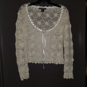 Gorgeous Vintage Crocheted Flower Button Sweater